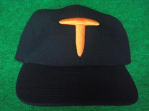 1935年の大日本東京野球倶楽部の帽子